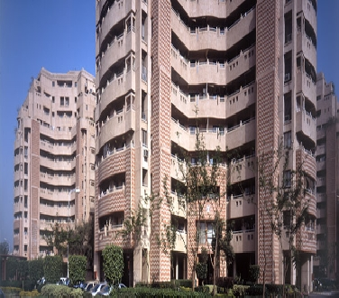 Heritage City,4 Bhk Flat For Sale